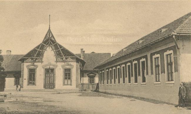 Sala de consultaţie a salinelor şi scoala primară. Perioada 1919-1928