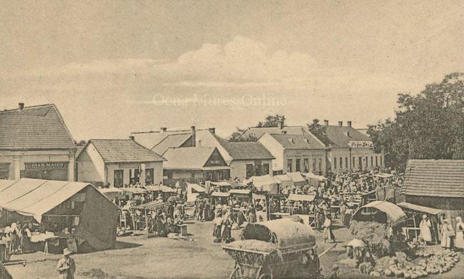 Târgul săptămânal din centrul oraşului Ocna Mureş. Perioada 1919-1940